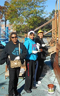Leos and Lions Spruce up Marine Park's Playground